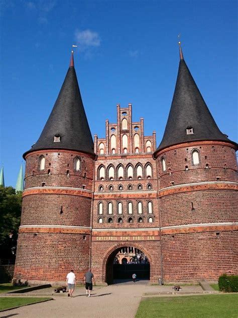 Brama Holsztyńska w Lubece, zdjęcie Lubeka