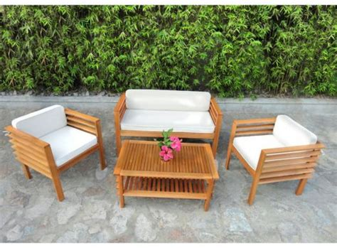 mobilier de jardin en bois table de salon de jardin
