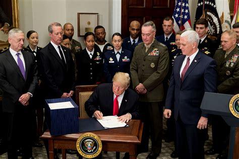 trump backs  percent pay raise  military