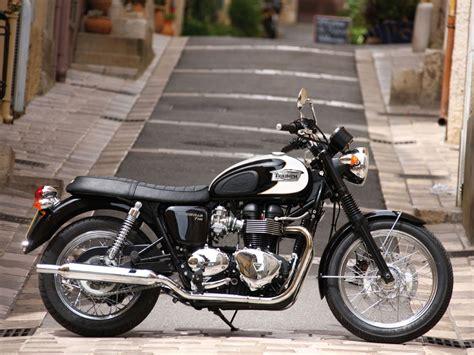 Triumph Bonneville T100 Image by 2010 Triumph Bonneville T100
