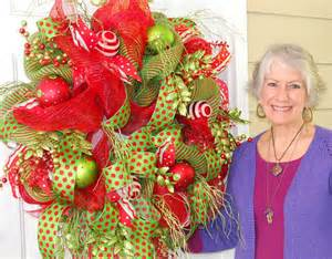 Make Deco Mesh Christmas Wreath