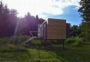 Tiny House österreich : simple home a tiny house set on legs in austria ~ Frokenaadalensverden.com Haus und Dekorationen
