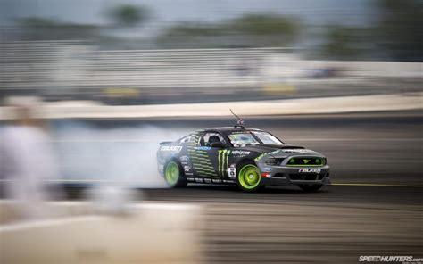 Ford Mustang Drift Wallpaper by Ford Mustang Drift Smoke Motion Blur Hd Wallpaper Cars