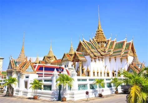 walking tours walking    grand palace wat phra