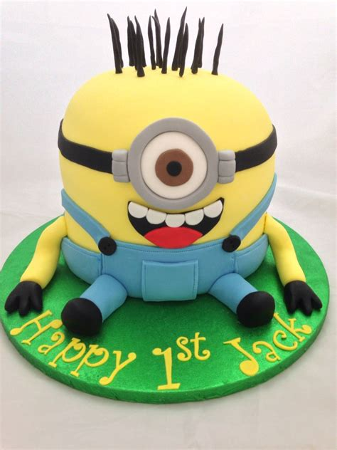 Check out these super fun top minion cakes. Minion Cake | Minion cake, Cake designs, Minions