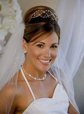 bride hairstyles veil   Wedding Hairstyles With Veil