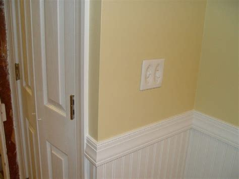 Chair Rail Wainscoting by Pin By Yvonne Holm On Interior Design