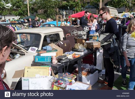 vintage homeware accessories car boot stock photos car boot stock images 3208