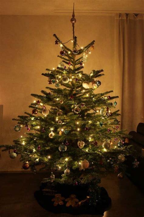 weihnachtsbaum deko merry christmas lifestyle travel