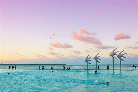 7 awesome free Queensland swimming pools