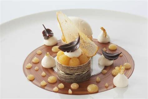 dessert de restaurant gastronomique la poire chocolat un des desserts de notre restaurant gastronomique picture of le chabichou
