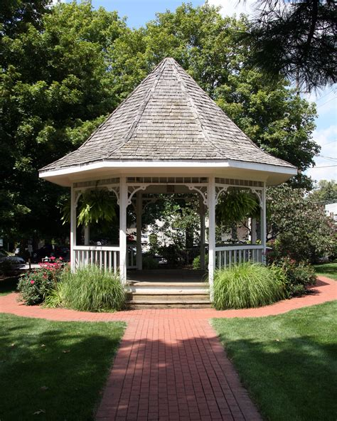 Garden City Indiana by File Zionsville Indiana Gazebo Png Wikimedia Commons