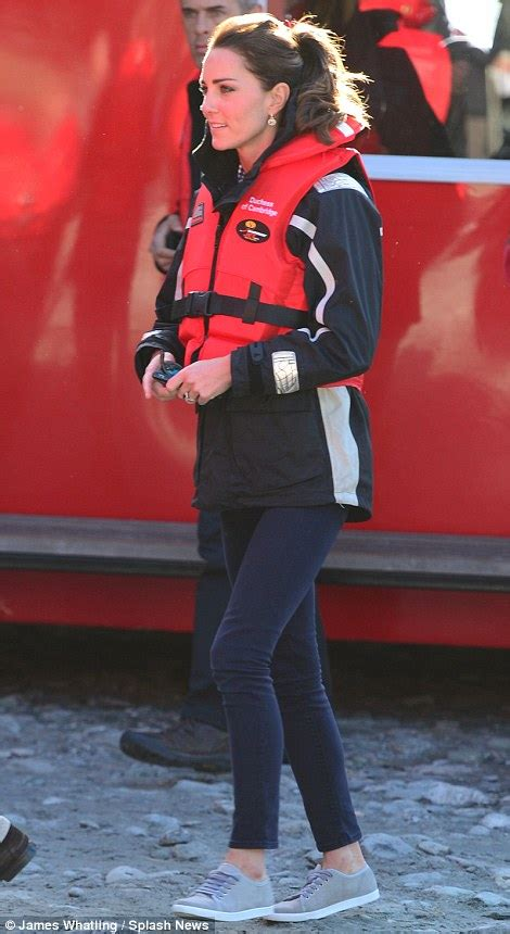 Fast Wine Boat Ride by Duchess Of Cambridge Crushes Pregnancy Rumours Daily