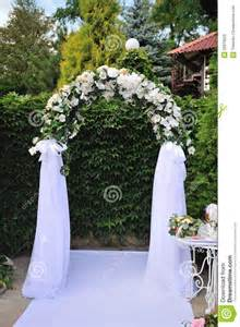 arch wedding 25 best ideas about wedding arch decorations on