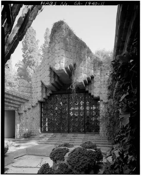 Sowden House History - Dr. George Hodel & Frank Lloyd Wright