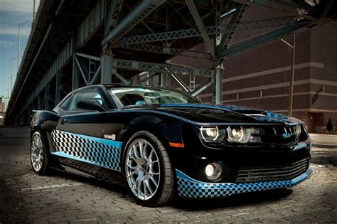Modifiyeli Araba by Chevrolet Camaro Siyah Mavi Modifiyeli Araba Kanvas Tablo