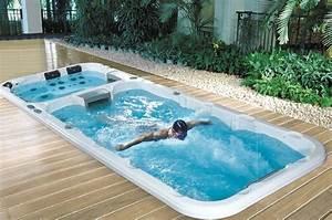 Pool Mit Gegenstromanlage : neuer trend endless pool swimmingpool portal schweiz ~ Eleganceandgraceweddings.com Haus und Dekorationen