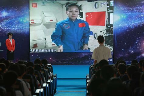 China selects only two astronauts for new mission so they ...