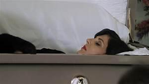 Dead Celebrities In Open Caskets | newhairstylesformen2014.com