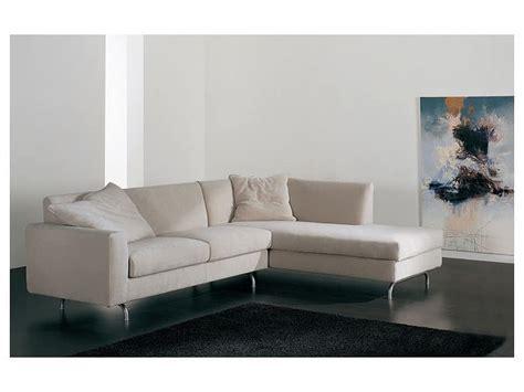 divanetti componibili divano angolare con penisola imbottito varie finiture
