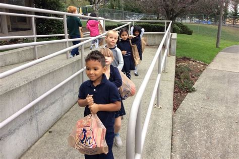 evergreen academy preschool bothell students at evergreen academy preschool collect 914