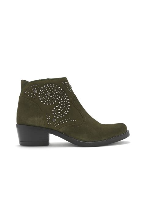 kanna kelly suede studded boots leccio