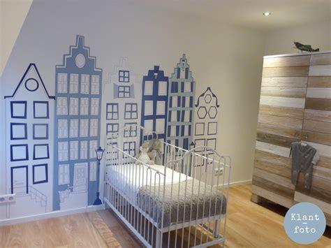 behang babykamer huisjes delfts blauwe behang huisjes 2