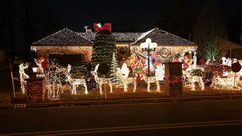 the mercer street christmas light display is an annual