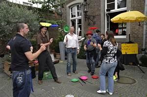 Künstler Aus Köln : mitmachzirkus jongleur aus k ln k nstler f r firmenfeier mitmachzirkus jongliershow ~ Markanthonyermac.com Haus und Dekorationen