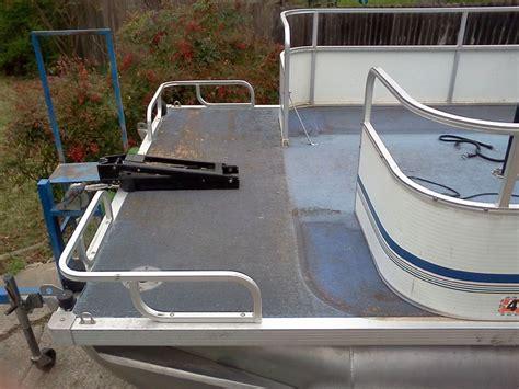 Grumman Pontoon Boat Seats by Buddy S 94 Grumman 24 Build Pontoon Forum Gt Get Help