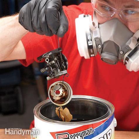 repair small engines cleaning  carburetor