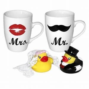 Tasse Mr Mrs : set de 2 tasses mr mrs avec set de 2 canards de bain mari s ~ Teatrodelosmanantiales.com Idées de Décoration