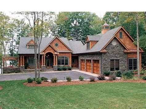 4 bedroom craftsman house plans craftsman house plan with 4304 square and 4 bedrooms