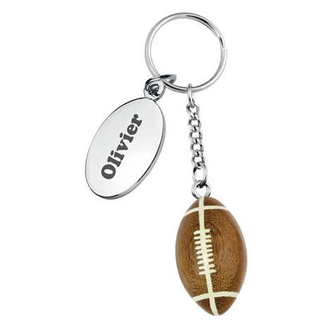 meilleur livre de cuisine porte clés ballon de rugby gravé une idée de cadeau
