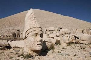 En Turquía, ante las esculturas monumentales del monte Nemrut
