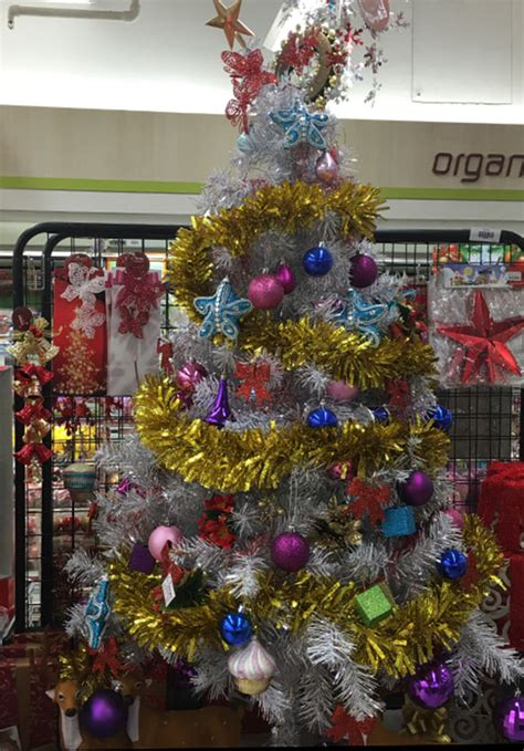 5 places to get cheap christmas decorations her world