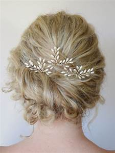 10 Timeless Hair Brooches For Your Big Day Intimate