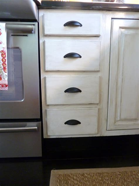 Distressing Kitchen Cabinets by Distressed Kitchen Cabinets How To Distress Your Kitchen