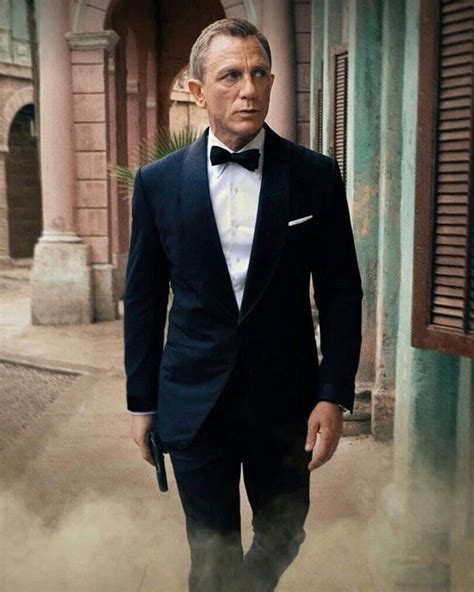 Daniel Craig Tux