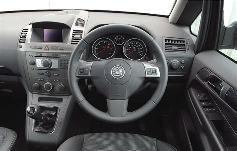 vauxhall zafira estate   review parkers