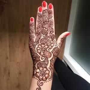 Pics Photos - Hand Simple Mehandi Design For Arabic Girls ...