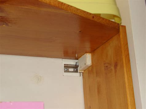 fixation cuisine fixation meuble haut cuisine maison design modanes com