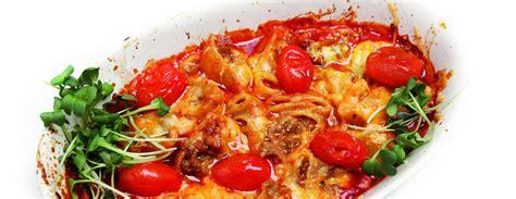 SestDienas receptes: Pildīto lumaconi sacepums ar gaļu un sieru / Diena