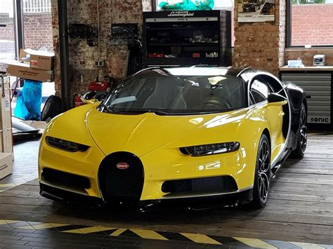 The bugatti divo can be subtle or in your face. Bugatti Divo Yellow - Supercars Gallery