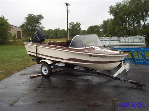 Larson Runabout Boats 1968 larson 15 runabout boat just came out o