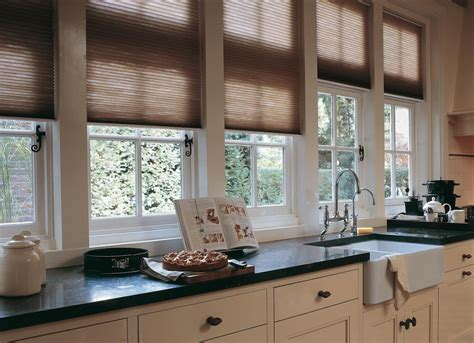 country style l shades 6 of the best country kitchen ideas luxaflex blog