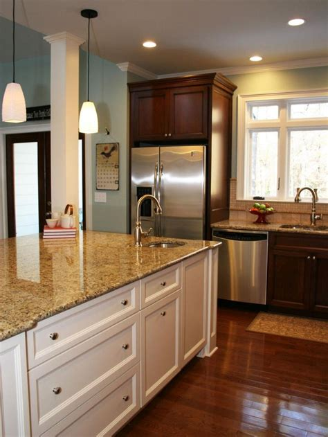 kitchen cabinetry doesnt   match perfectly