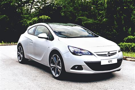 2012 Opel Astra Gtc Review