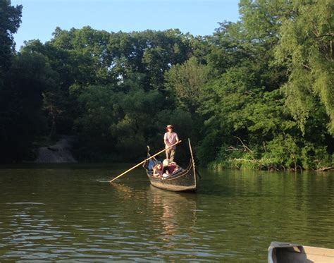 Paddle Boating Central Park Nyc by Nothing In Nyc Is More Delightful Than Boating In Central