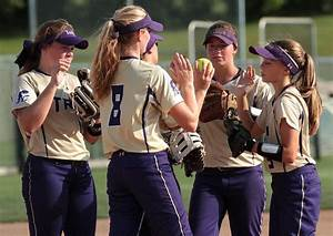 Loose dugout helps Troy knock off top-ranked Holt ...